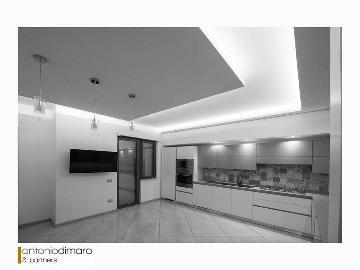 Cucina antoniodimaro + Partners Cucina attrezzata