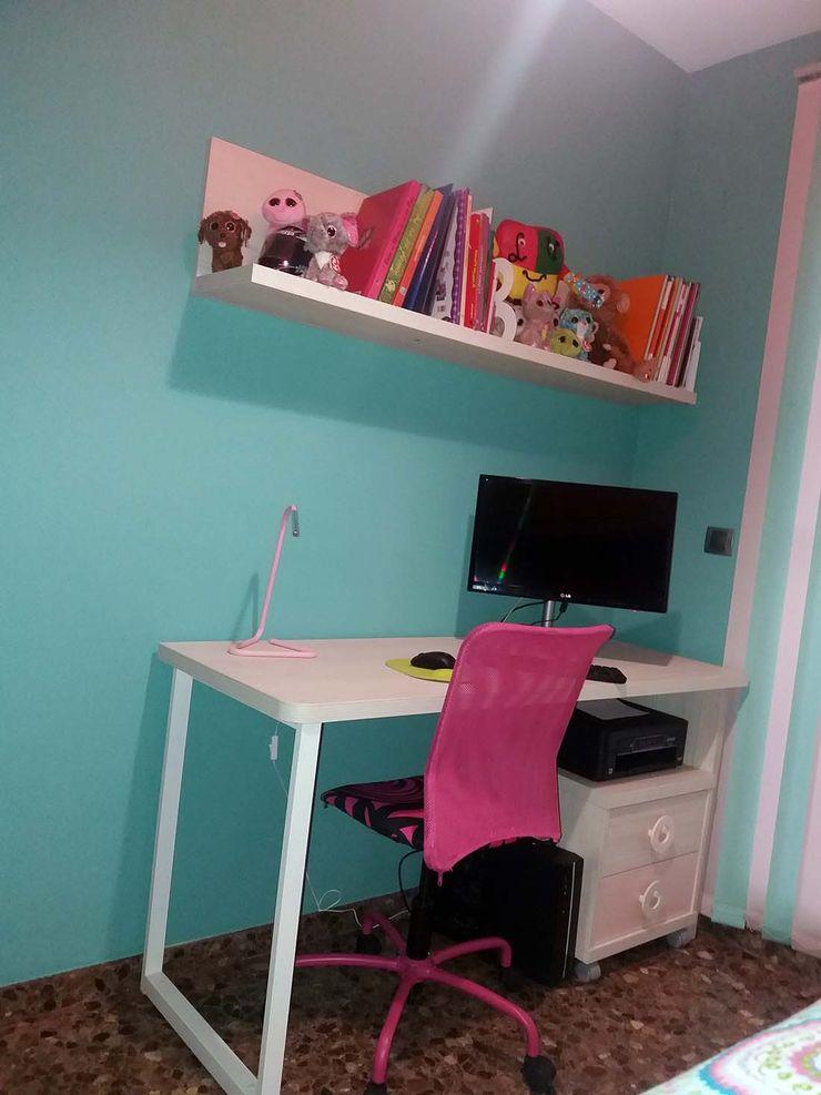 CASANOVA Muebles Y Decoración Quarto de criançasEscrivaninha e cadeiras
