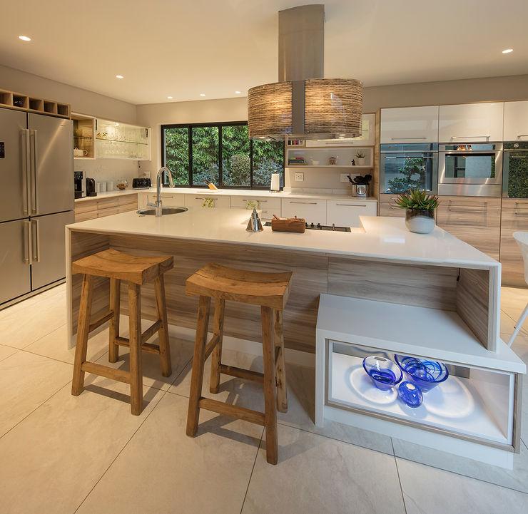 Spegash Interiors Modern style kitchen