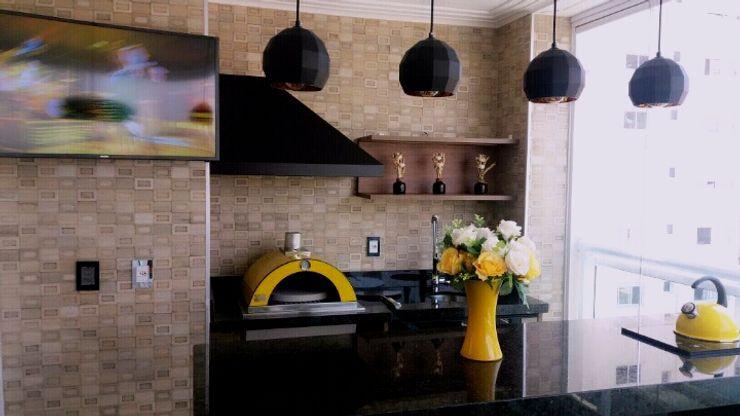 Forno de Pizza STUDIO SPECIALE - ARQUITETURA & INTERIORES Varandas, alpendres e terraços industriais Granito Amarelo