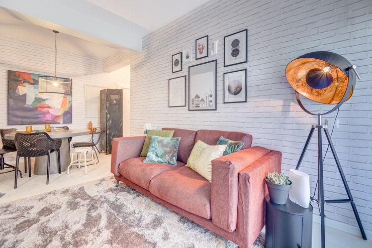 Querido Mudei a Casa - Ep 2607 Santiago | Interior Design Studio Salas de estar industriais Cinzento