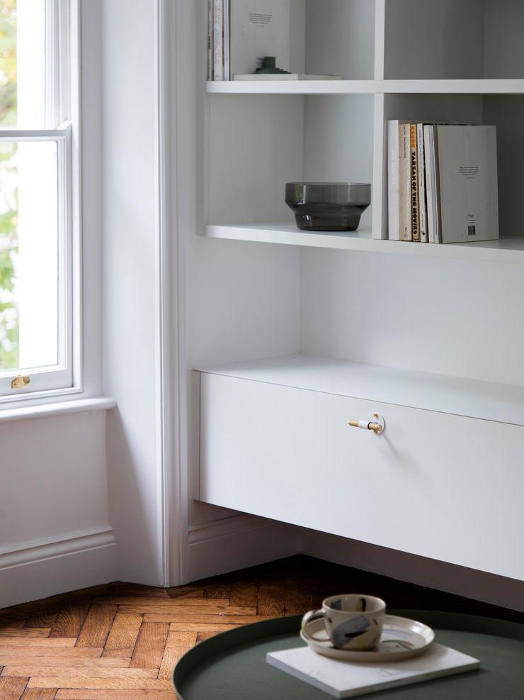 Living room - Media unit (Detail) Brosh Architects Modern Living Room Wood White