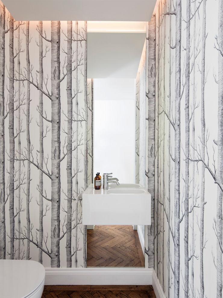 WC Brosh Architects Modern Bathroom White