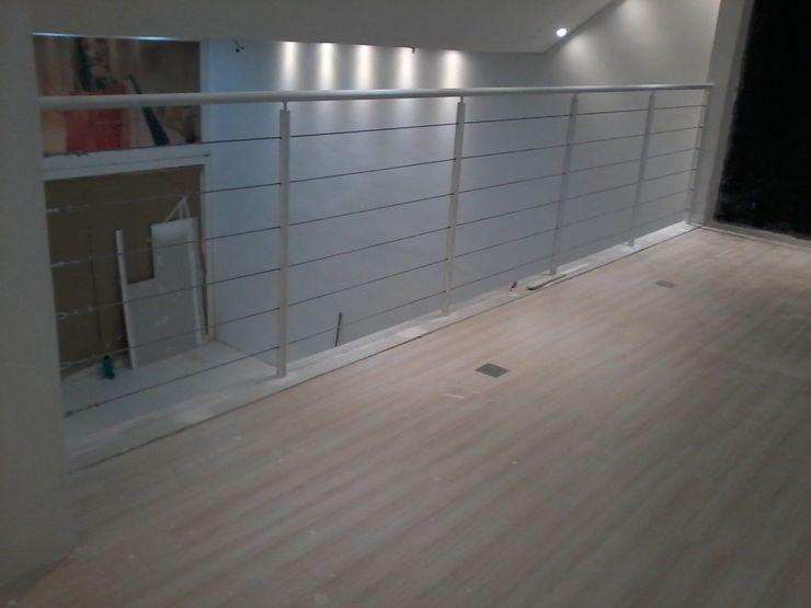 Dartora Esquadrias Metálicas Offices & stores Iron/Steel White