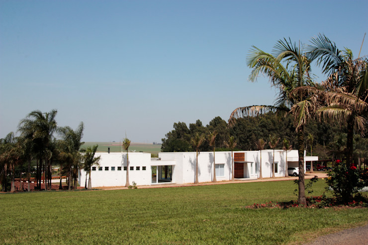 Casa JP R 7 Mila Ricetti Arquitetos Associados Casas modernas