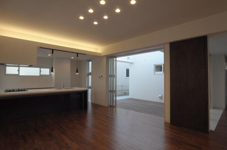 hacototo design room Salon moderne Bois Marron