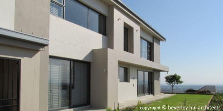 Modern Eastern Facade Beverley Hui Architects Single family home Bricks Grey