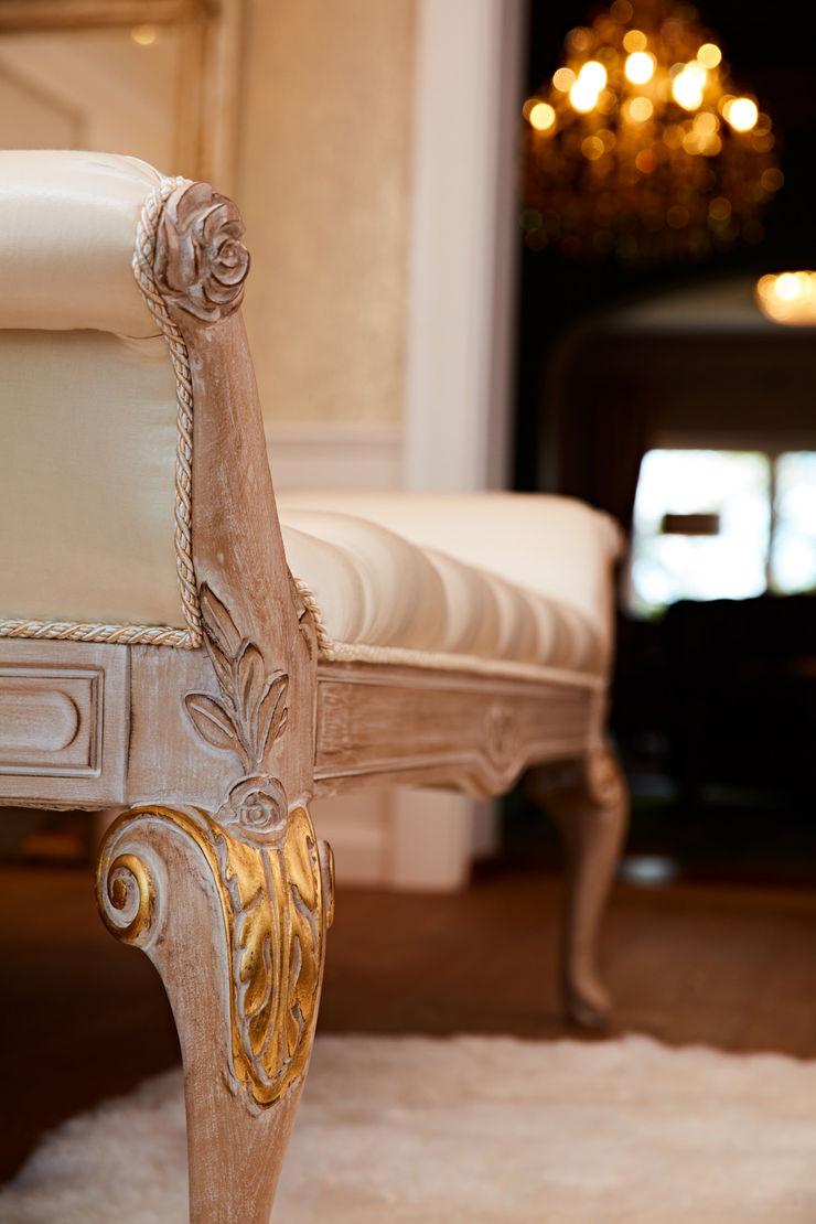 BAUR WohnFaszination GmbH VestiárioSofás, cadeiras e bancos Madeira Ambar/dourado