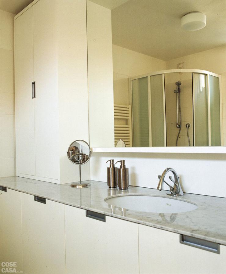 Appartamento 65 mq. DELFINETTIDESIGN Bagno moderno Legno Bianco