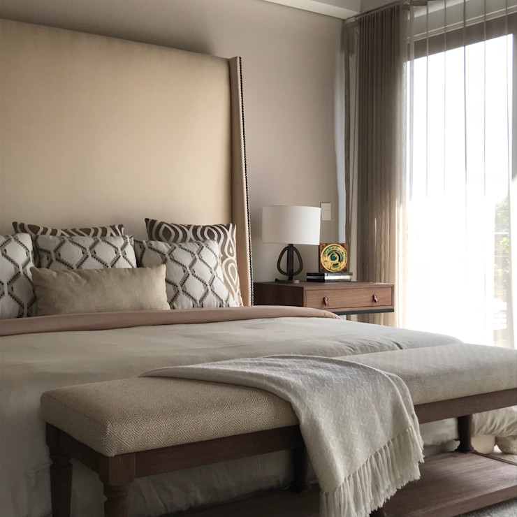 Ecologik Classic style bedroom Beige