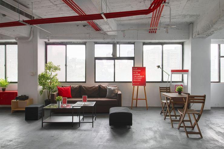 有偶設計 YOO Design Industrial style offices & stores
