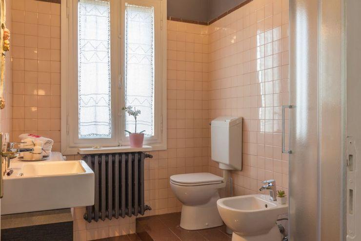 Anna Leone Architetto Home Stager Casas de banho modernas