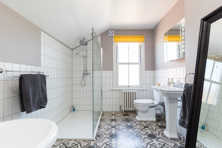 Victorian Terrace, Hither Green, Lewisham Model Projects Ltd Classic style bathroom