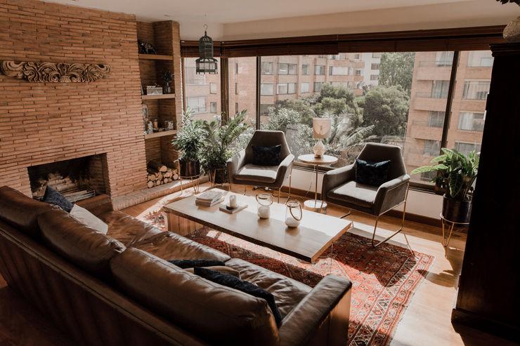 Redesign Studio Eclectic style bedroom