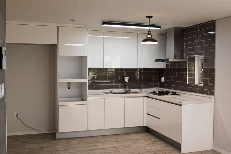 AAG architecten Módulos de cocina Compuestos de madera y plástico Blanco