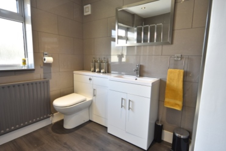 Refurbishment of a Victorian terrace property to be let out as an HMO Kerry Holden Interiors Modern bathroom
