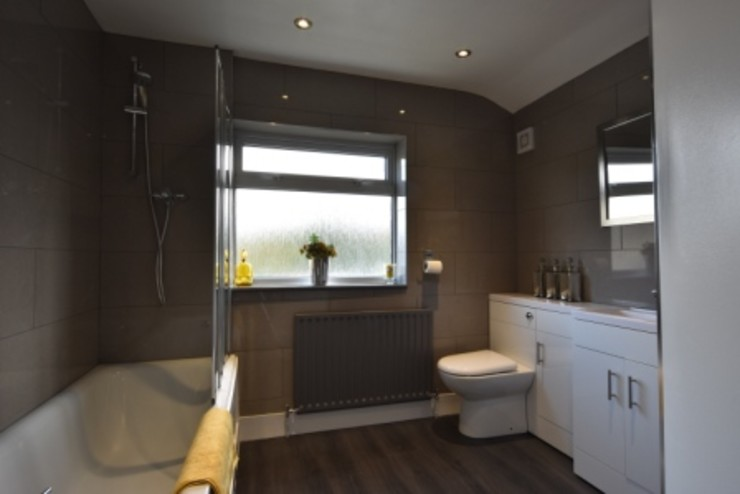 Refurbishment of a Victorian terrace property to be let out as an HMO Kerry Holden Interiors Modern style bedroom