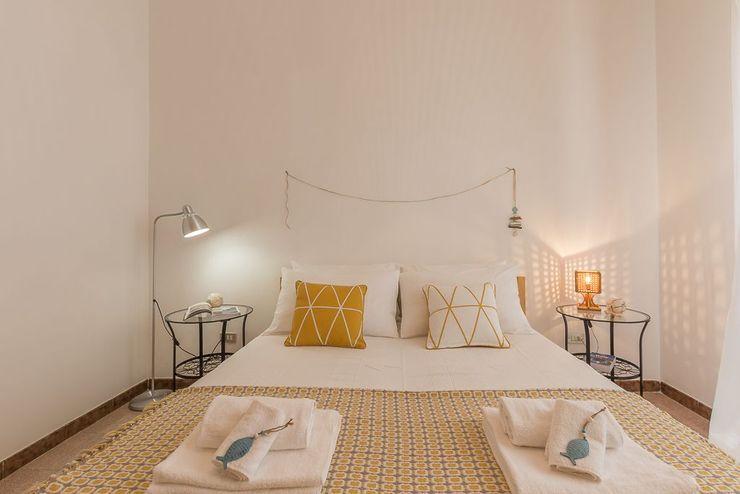 Casa Gaia Anna Leone Architetto Home Stager Camera da letto in stile mediterraneo