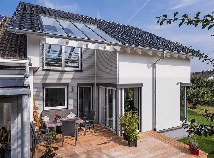 KitzlingerHaus GmbH & Co. KG Prefabricated home Engineered Wood White
