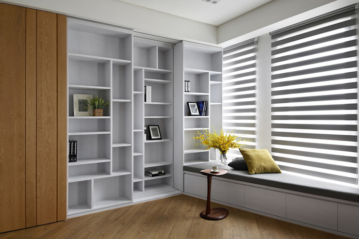 infinity 辰林設計 Modern study/office White