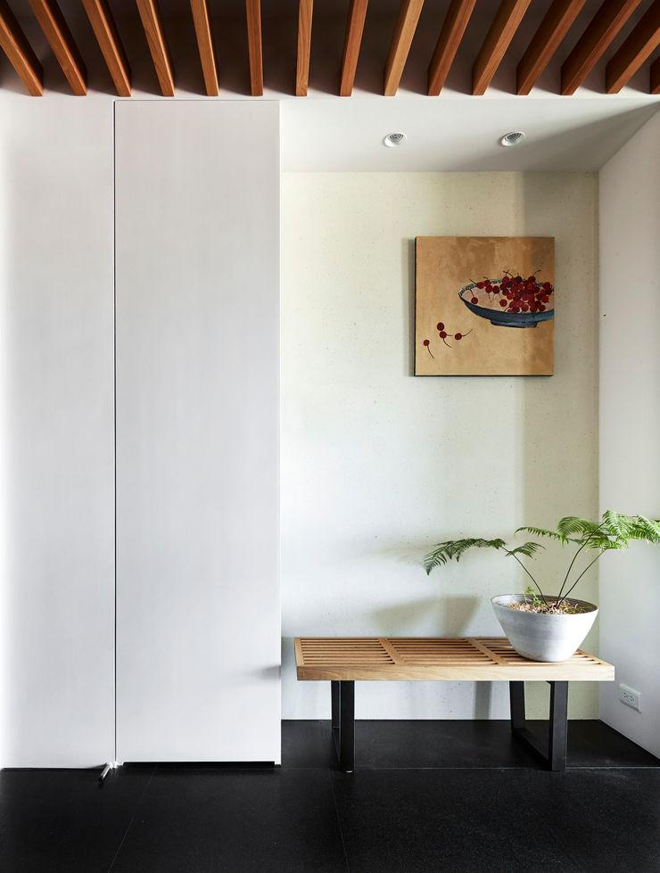 玄關 樸十設計有限公司 SIMPURE Design Modern corridor, hallway & stairs