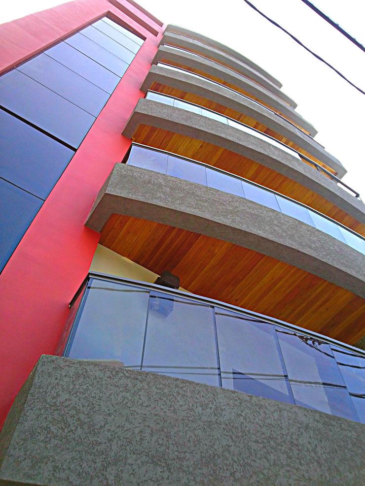 Fachada Edificio Estudio A+I Escaleras Rojo
