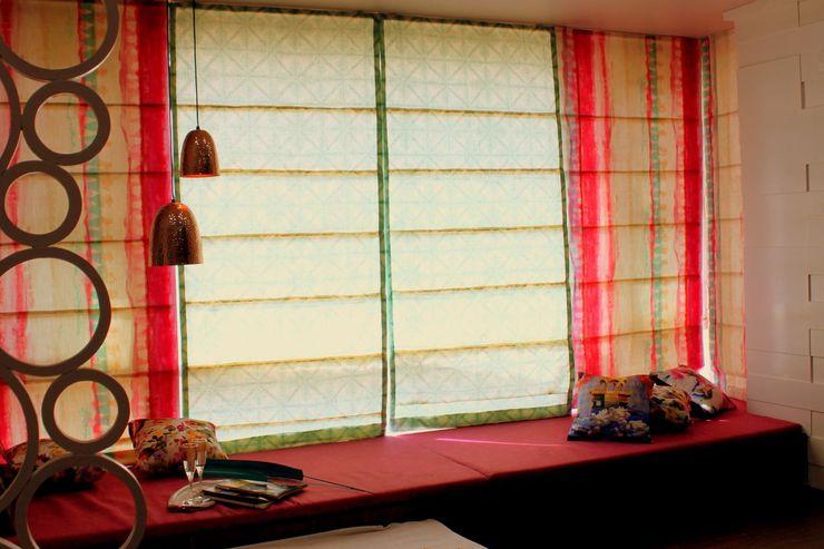 Bed Room Dezinebox Modern Corridor, Hallway and Staircase