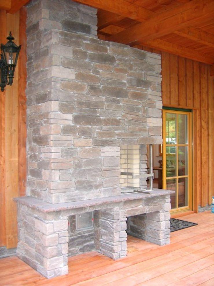 SCHOß INGENIEUR GmbH Balcone, Veranda & Terrazza in stile rurale