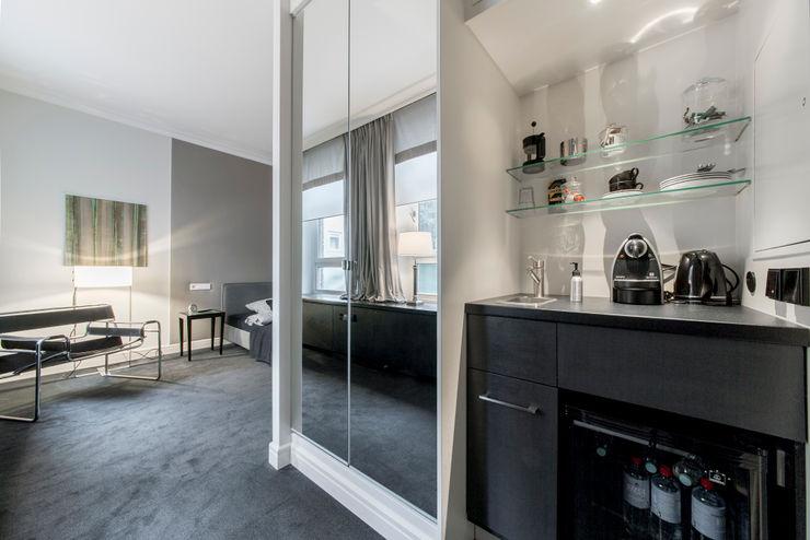 Einbauschrank und Teeküche Ohlde Interior Design Klassische Schlafzimmer Grau