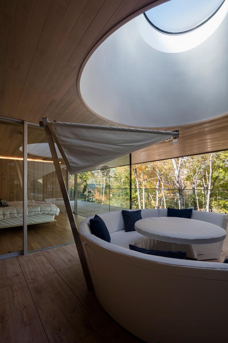 Mアーキテクツ|高級邸宅 豪邸 注文住宅 別荘建築 LUXURY HOUSES | M-architects Modern balcony, veranda & terrace Concrete Wood effect