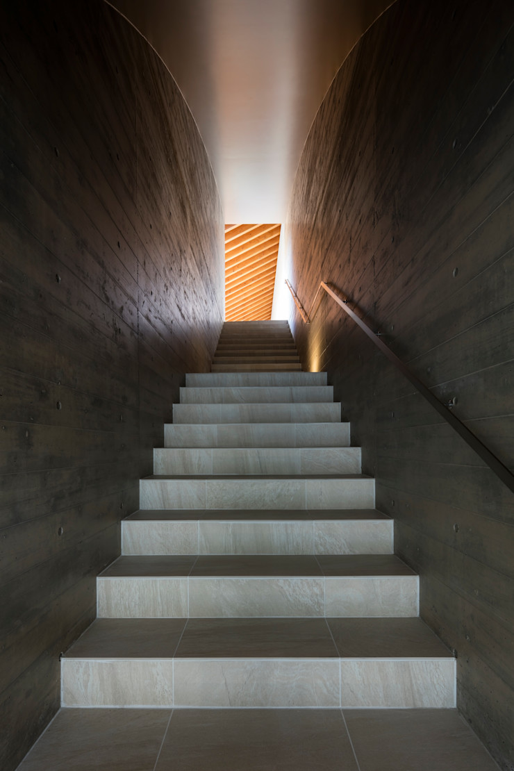 Mアーキテクツ|高級邸宅 豪邸 注文住宅 別荘建築 LUXURY HOUSES | M-architects Stairs Concrete Wood effect
