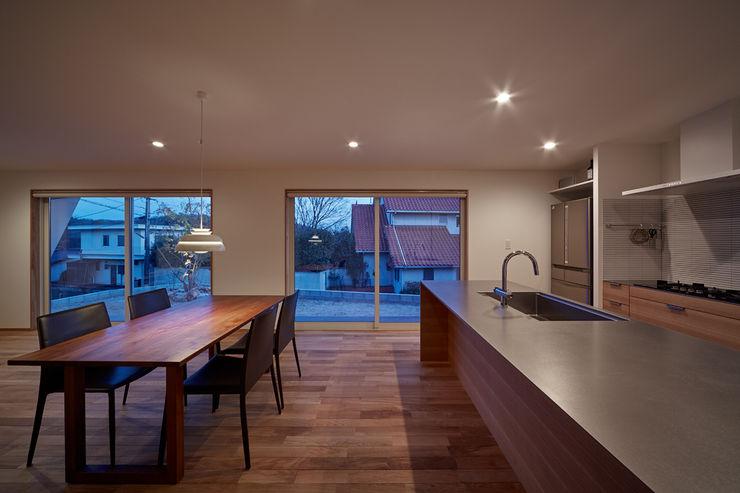 toki Architect design office Modern dining room Wood Brown