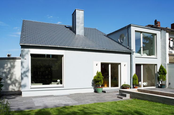 An- und Umbau Grotegut Architekten Einfamilienhaus Grau