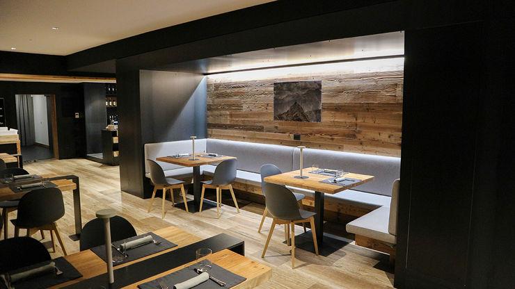 RISTORANTE A CORVARA RI-NOVO Bar & Club in stile rustico Legno Marrone