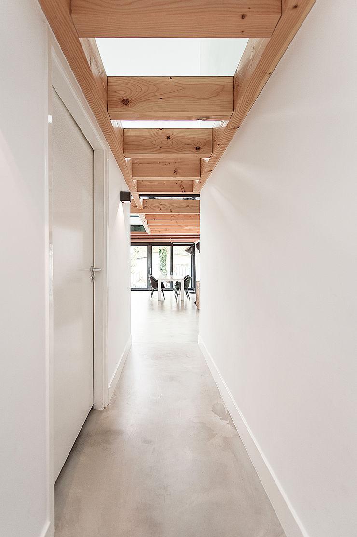 Bloot Architecture Modern corridor, hallway & stairs Concrete