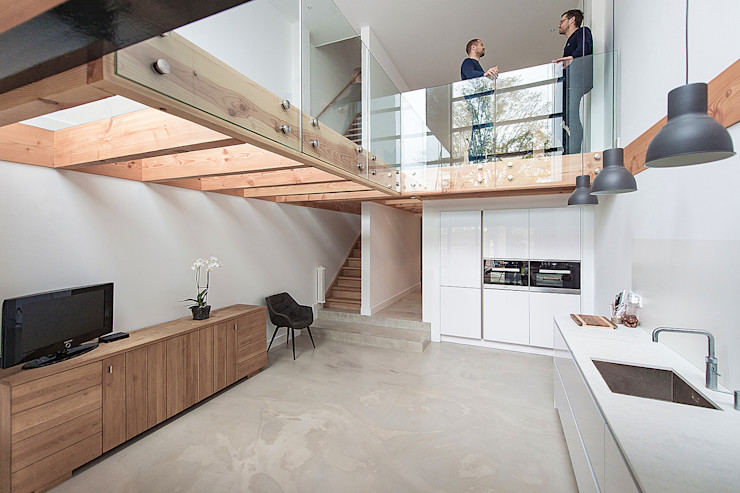 Bloot Architecture Modern kitchen Glass Wood effect