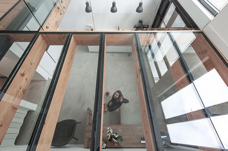 Bloot Architecture Kitchen units Glass Wood effect