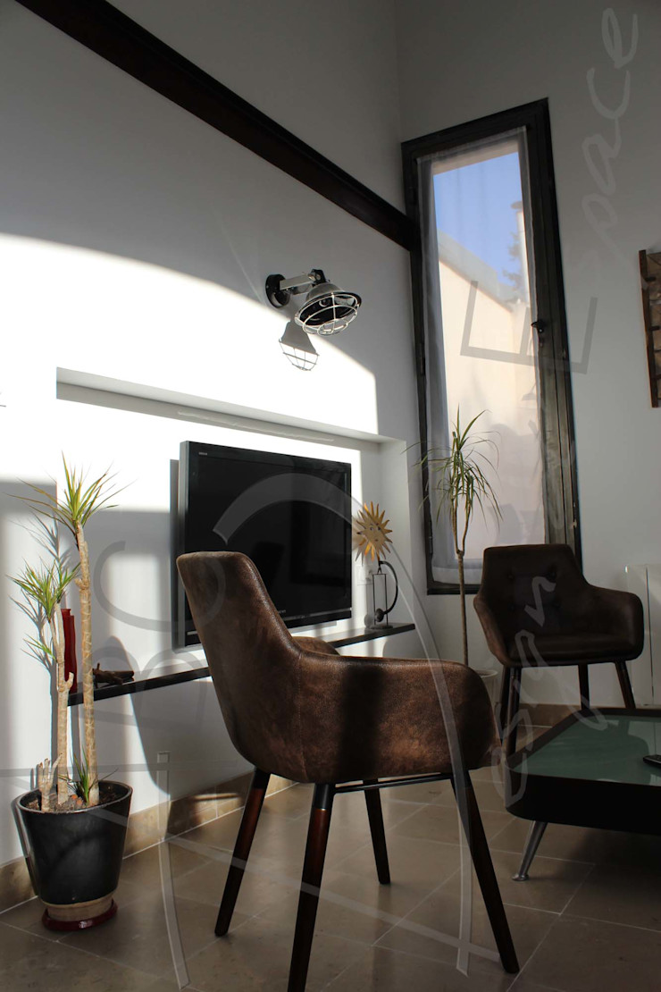 Réhabilitation d'un garage en maison secondaire ABC Design d'Espace Salon industriel