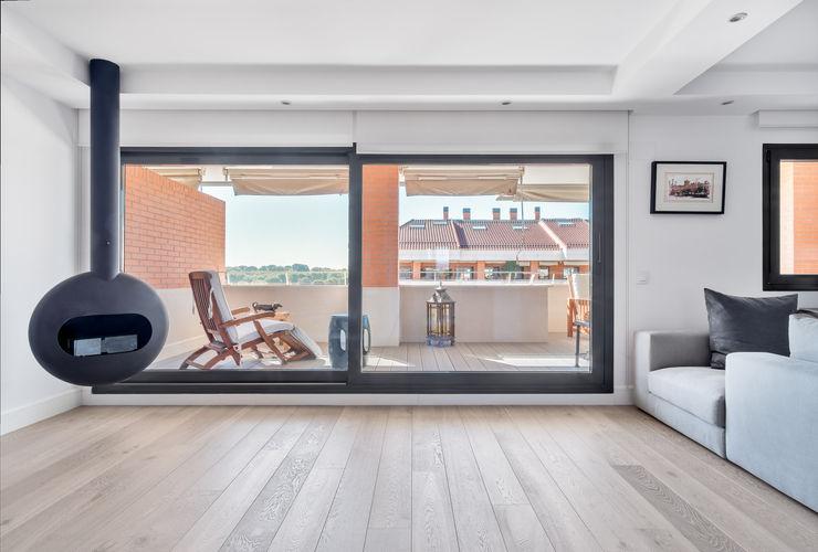Tarimas de Autor 现代客厅設計點子、靈感 & 圖片 木頭