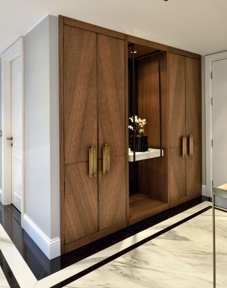 ABA HOUSE Esra Kazmirci Mimarlik Modern corridor, hallway & stairs Marble White