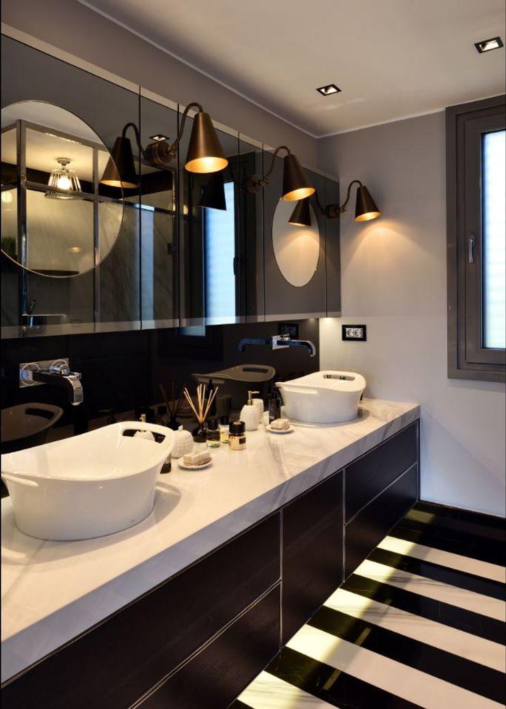 ABA HOUSE Esra Kazmirci Mimarlik Modern bathroom Marble Black