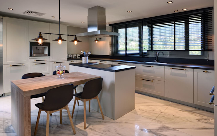 ABA HOUSE Esra Kazmirci Mimarlik Modern kitchen Marble Black