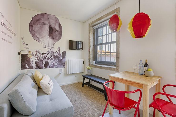 Genuine Oporto Apartments - Alojamento local no centro do Porto ShiStudio Interior Design Sala de jantarCadeiras e bancos