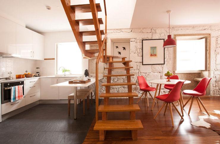Apartamentos Rua de Trás - Alojamento turístico (7 apartamentos) - Centro do Porto ShiStudio Interior Design Escadas