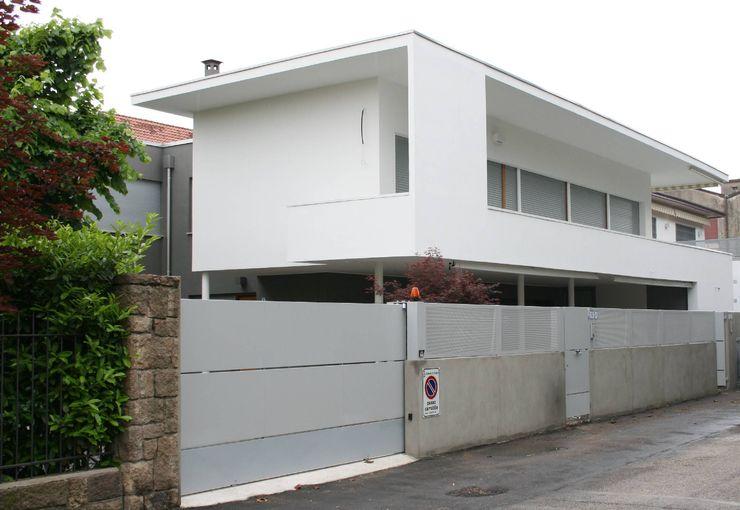 Fronte strada Massimo Berto Architetto Casa unifamiliare Laterizio Bianco