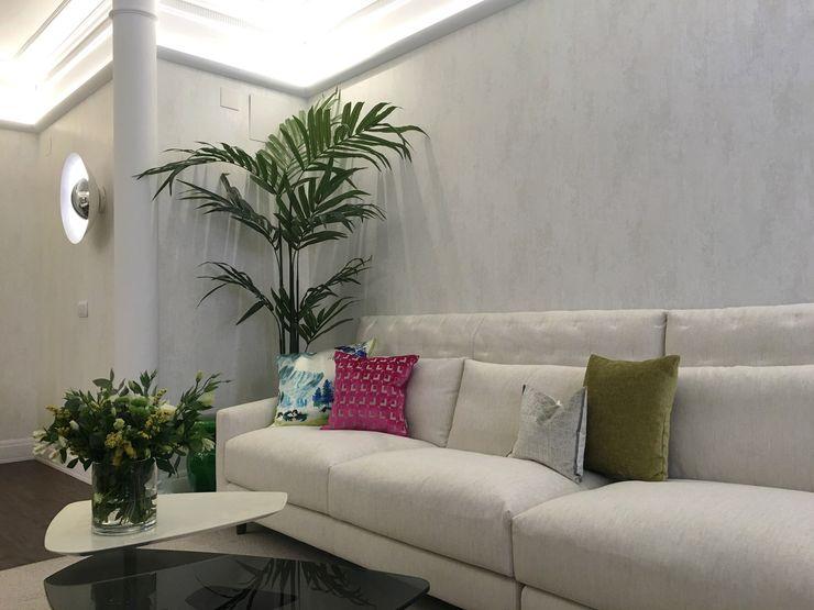 ARTEFACTUM Classic style living room