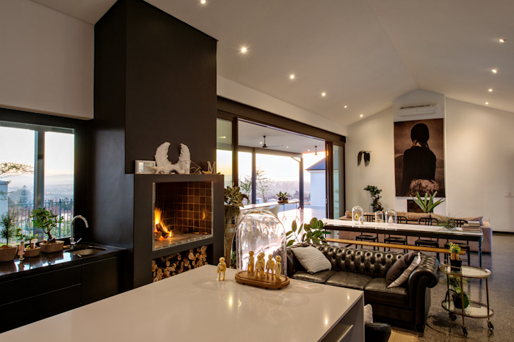 House Viljoen, Living room/Kitchen and Fireplace/Barbeque Hugo Hamity Architects Modern living room White