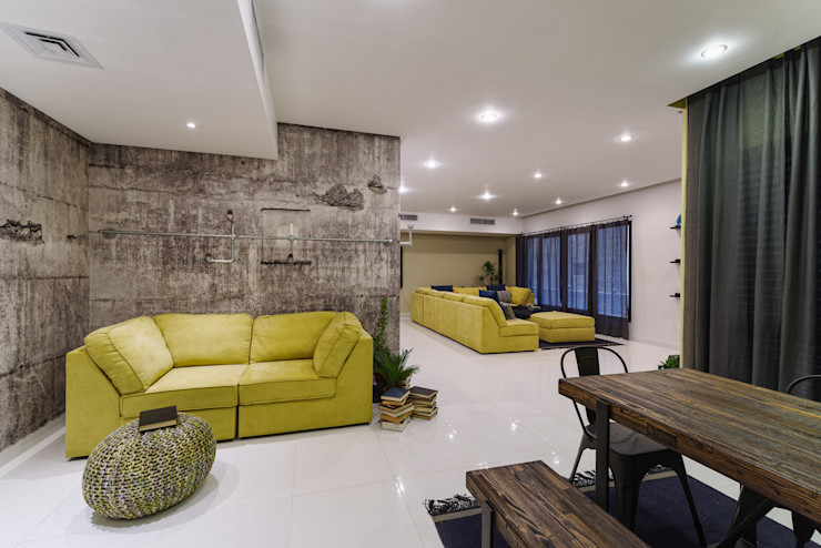 Industrial Living room Aorta the heart of art 인더스트리얼 복도, 현관 & 계단 솔리드 우드 황색