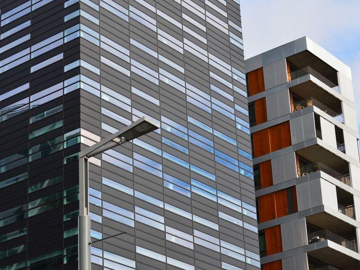 Roger Hannah & Co Edificios de oficinas de estilo clásico Metal Gris