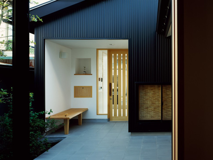 中庭のある平屋 前田工務店 木造住宅 木 黒色